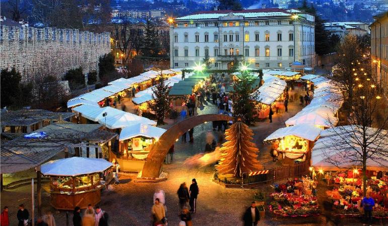 Mercatini in Trentino e Innsbruck e Fabbrica Swarowski Voli diretti da Cagliari