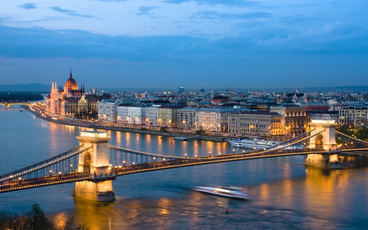 Super Last Minute Budapest * Formula 4=3