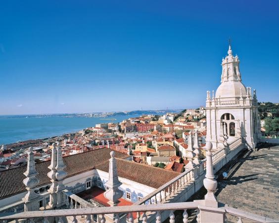 Capodanno a Lisbona Voli diretti da Cagliari