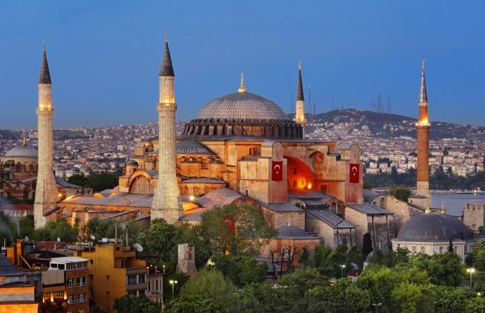 Istanbul e il Tour dei Sultani Voli diretti da Cagliari